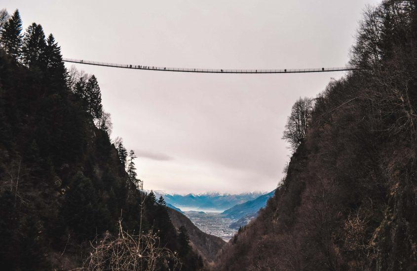"""""""Ponte nel Cielo"""", in Lombardia il ponte tibetano più alto d'Europa"""